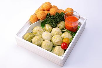 北海道チーズたっぷりアランチーニ&ロールキャベツ